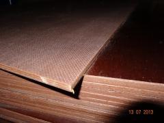 Laminated plywood WBP sending across Ukraine