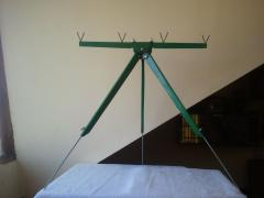 Tripod feeder with four rods (+ video)